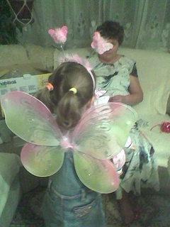FOTKA - veru jako motýlek zezadu