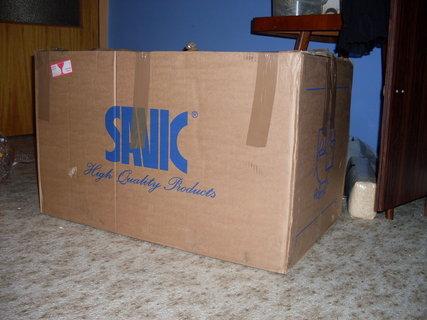 FOTKA - Klec přišla ve velké krabici...