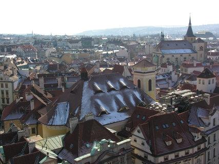 """FOTKA - """"pocukrovaná"""" střecha kostela sv. Michala na Starém Městě"""