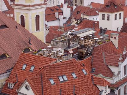 FOTKA - restaurace na střeše :-)