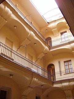 FOTKA - Dům U Kamenného zvonu - dvoreček