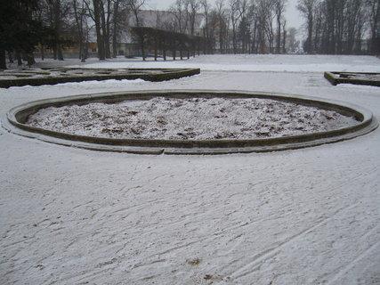 FOTKA - Z�meck� park v Jaromk�ch...