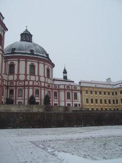 FOTKA - Kostel se zámkem