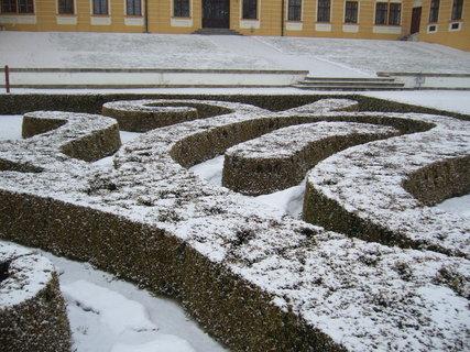 FOTKA - Z�meck� park Jar.n.R...