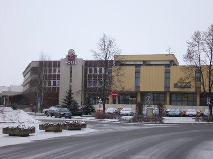 FOTKA - Hotel opera s obchodem