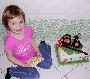 FOTKA - Adélka s dortíkem