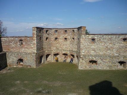 FOTKA - 3 kamosi na hrade