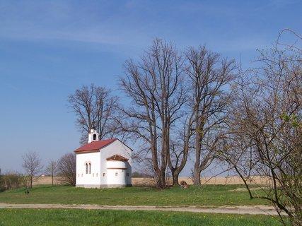 FOTKA - kostelíček u Průhonic....