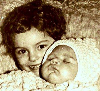FOTKA - Sestřička s bratříčkem