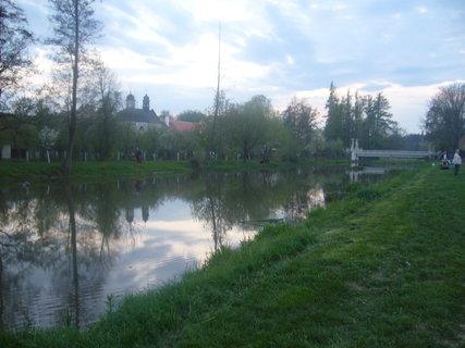 FOTKA - Řeka bude osvícená od ohně