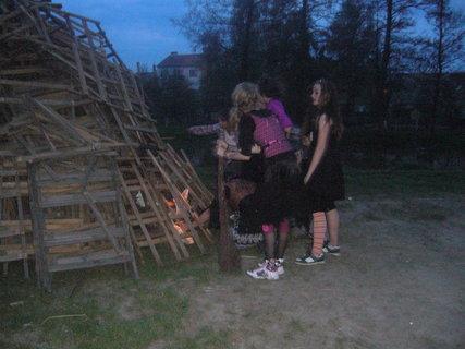 FOTKA - Veteránka zapaluje jako první