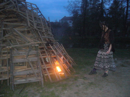 FOTKA - Veteránce se podařilo zapálit hranici