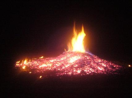 FOTKA - Tohle zbylo z tak velkého ohně