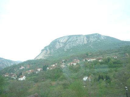 FOTKA - můj výlet do Turecka - Srbské hory bohužel přes špinavé okno...