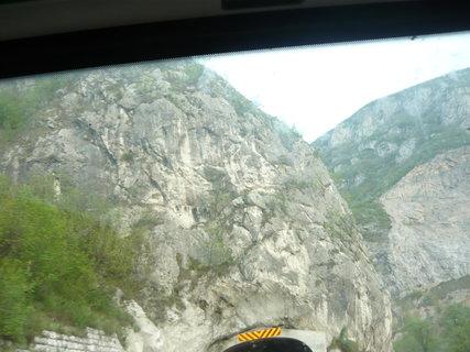 FOTKA - můj výlet do Turecka - Srbské hory vjezd před tunelem