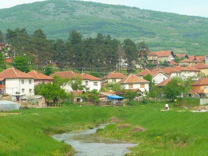 FOTKA - domky v Srbsku před městem Dimitrovgrad