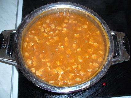 FOTKA - Gulášová polévka..