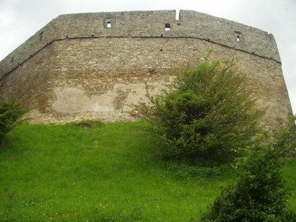 FOTKA - Hradby hradu Hukvaldy