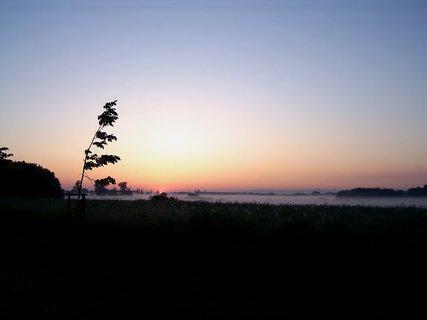 FOTKA - Počátek východu slunce v 5 hod.