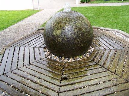 FOTKA - fontána v parku