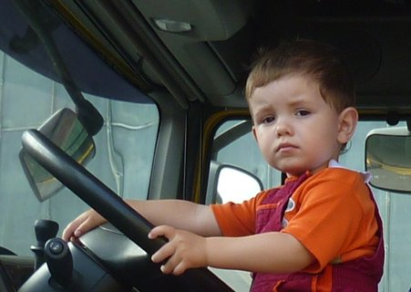 FOTKA - Tééda,ten volant je velikej..:-D