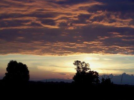 FOTKA - Svítání mezi mrakama