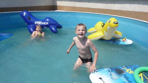 FOTKA - odzimovávání bazénu