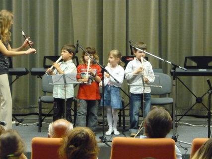 FOTKA - vnuk v hudební škole