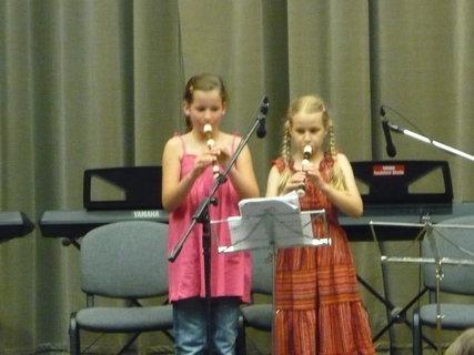 FOTKA - vnučka v hudební škole