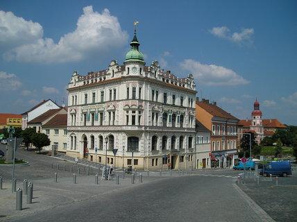 FOTKA - Roudnice n.L.- pošta na náměstí