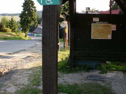 FOTKA - autobusová zastávka a rozcestník