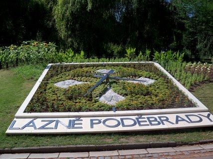 FOTKA - Poděbrady- květinové hodiny