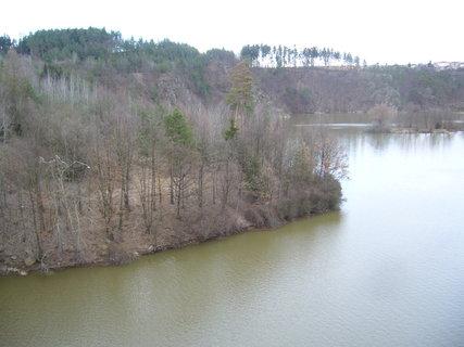 FOTKA - Dalešická přehrada z mostu..