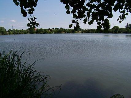 FOTKA - dnešní vyjížďka na kole - velký rybník Hrnčíře u Prahy