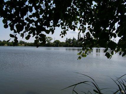 FOTKA - cestou na kole - rybník Hrnčíře u Prahy