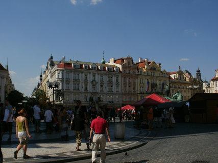 FOTKA - staroměstské náměstí v 35 stupnovém horku