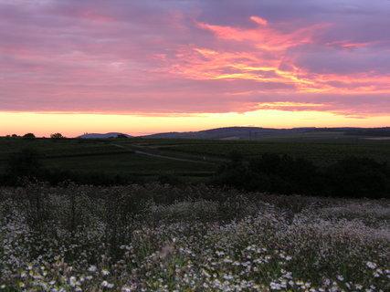 FOTKA - západ slunce na Pálavou 1)