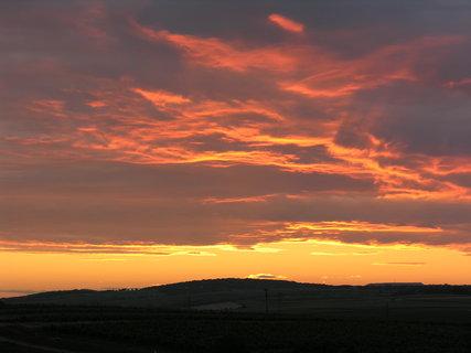 FOTKA - západ slunce na Pálavou 2)