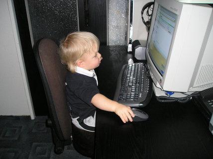 FOTKA - Tatínek je počítačový expert, tak s tím musím také něco udělat