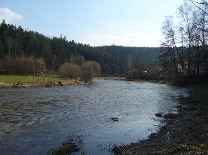 FOTKA - V dáli houpací most