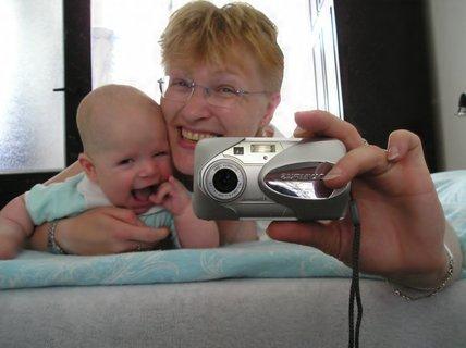 FOTKA - Tady jsem s maminkou špásoval před zrcadlem