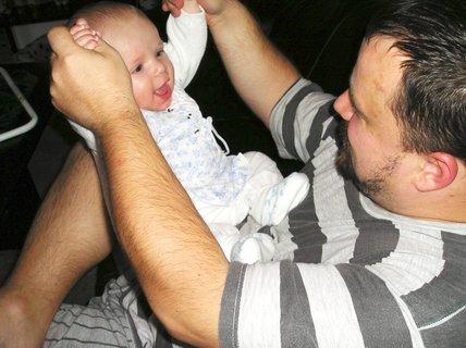 FOTKA - Malá rozcvička s tatínkem