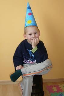 FOTKA - Daneček  s čepicí