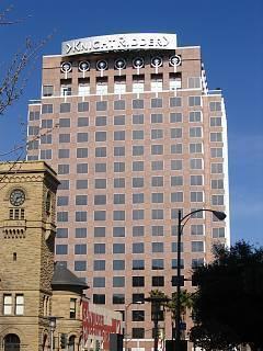 FOTKA - banka a kancelare