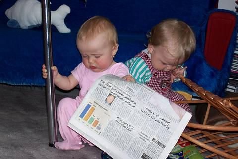 FOTKA - Našs dvě malé čtenářky