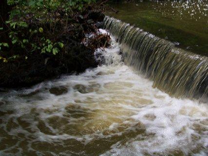 FOTKA - cestou na kole-průhonický park_hodně vody po deštích