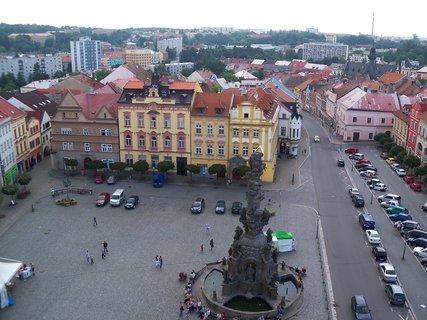 FOTKA - Náměstí Chrudim -pohled k kostelní věže