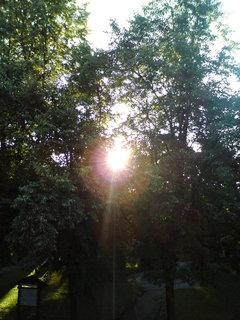FOTKA - Západ slunce z okna