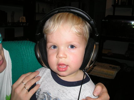 FOTKA - Hm, tatínek má zajímavou muziku