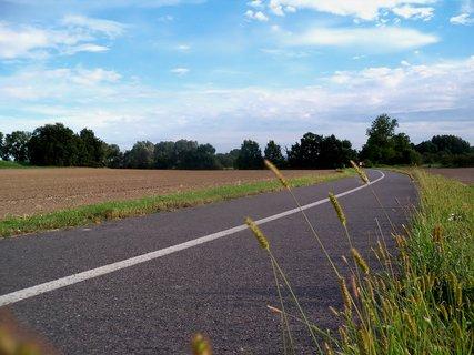 FOTKA - Krásné nebe nad cyklostezkou